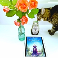 The Beekeeper's Promise by Fiona Valpy @fionavalpy #amazonpublishinguk #thebeekeeperspromise #bookreview #tarheelreader