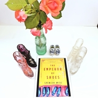 Emperor of Shoes by Spencer Wise #bookreview #tarheelreader @spencerwise10 @hanover_square @harpercollins #emperorofshoes