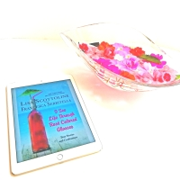 I See Life Through Rose'-Colored Glasses by Lisa Scottoline and Francesca Serritella #bookreview #tarheelreader @lisascottoline @fserritella @stmartinspress #iseelifethroughrosecoloredglasses