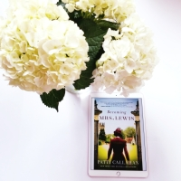 Becoming Mrs. Lewis by Patti Callahan #bookreview #tarheelreader #thrmrslewis @pcalhenry @thomasnelson #becomingmrslewis