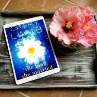 The Man She Married by Cathy Lamb #bookreview #tarheelreader #thrmanmarried @authorcathylamb @kensingtonbooks #themanshemarried