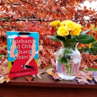 Husbands and Other Sharp Objects by Marilyn Simon Rothstein #bookreview #tarheelreader #throthersharpobjects @nounsandverbs1 @amazonpub @suzyapbooktours #blogtour #husbandsandothersharpobjects