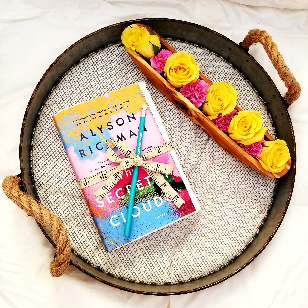 The Secret of Clouds by Alyson Richman #bookreview #tarheelreader #thrsecretclouds @alysonrichman @berkleypub #thesecretofclouds #bookbestiessecretofclouds #blogtour #bookgiveaway