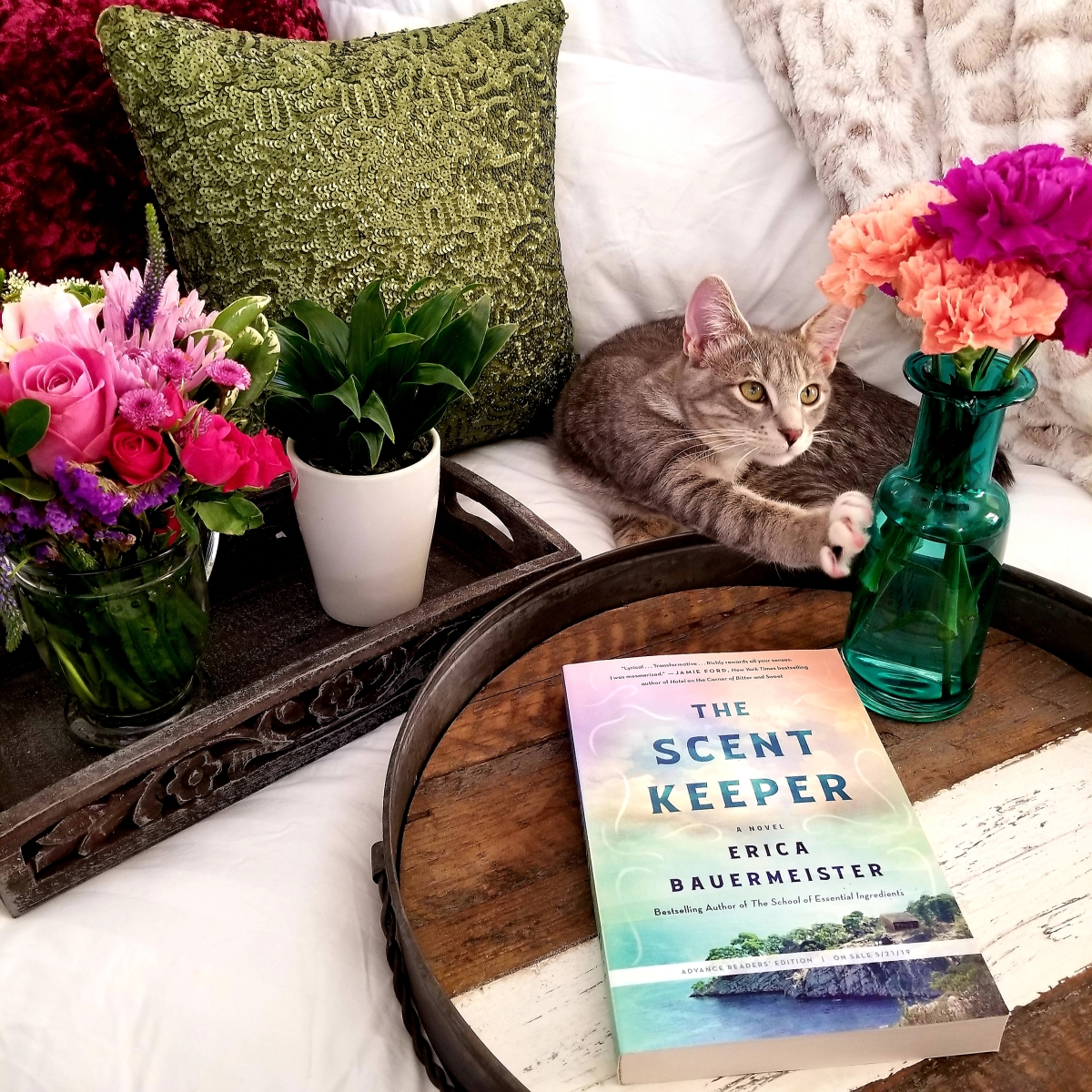 The Scent Keeper by Erica Bauermeister #bookreview #tarheelreader #thrscentkeeper #ericabauermeister @stmartinspress #thescentkeeper #blogtour