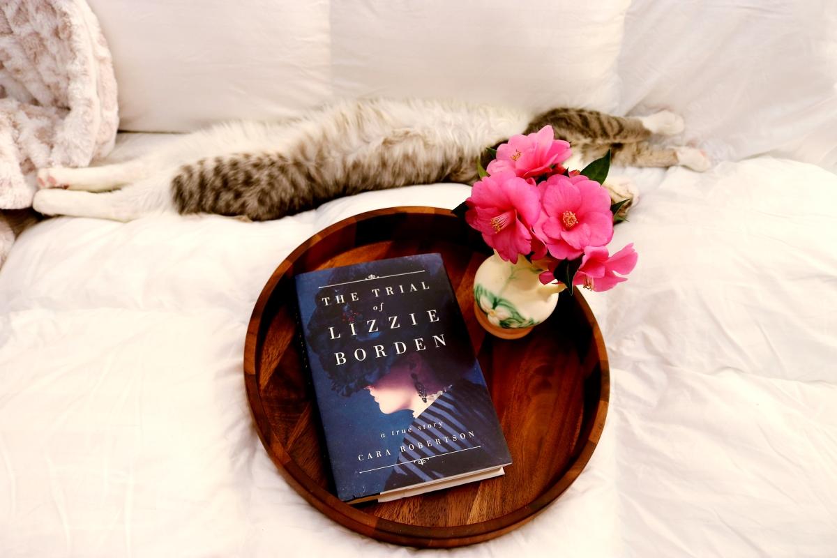 The Trial of Lizzie Borden by Cara Robertson #bookreview #tarheelreader #thrlizzieborden #cararobertson @simonschuster @simonbooks #thetrialoflizzieborden