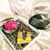 Old Baggage by Lissa Evans #bookreview #tarheelreader #throldbaggage @lissakevans @harperperennial #oldbaggage