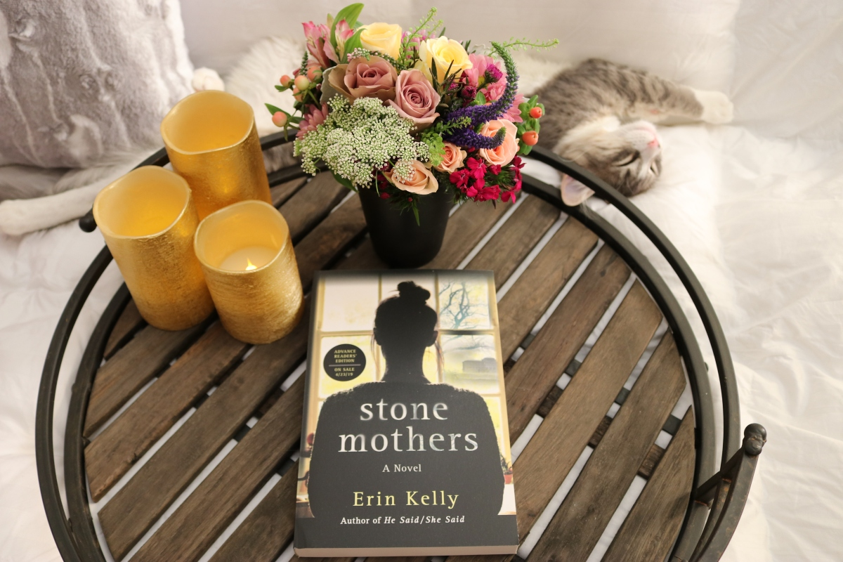 Stone Mothers by Erin Kelly #bookreview #tarheelreader #thrstonemothers @mserinkelly @minotaurbooks @stmartinspress #stonemothers