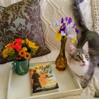 The Right Sort of Man by Allison Montclair #bookreview #tarheelreader #thrrightsort #allisonmontclair @minotaurbooks @stmartinspress #therightsortofman