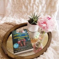The Book Woman of Troublesome Creek by Kim Michele Richardson #bookreview #tarheelreader #thrbookwoman @writernwaiting @sourcebooks #thebookwomanoftroublesomecreek