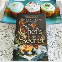 The Chef's Secret by Crystal King #bookreview #tarheelreader #thrchefssecret @crystallyn @atriabooks #thechefssecret @hfvbt #blogtour #HFVBTBlogTours #giveaway