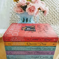 The Game of Kings by Dorothy Dunnett #bookreview #tarheelreader #thrgameofkings #dorothydunnett @vintageanchor @doubledaybooks #thegameofkings