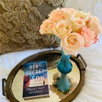 Her Secret Son by Hannah Mary McKinnon #bookreview #tarheelreader #thrsecretson @hannahmmckinnon @harlequinbooks #harlequinmira @suzyapbooktours #blogtour #hersecretson