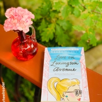 Love on Lexington Avenue by Lauren Layne #bookreview #tarheelreader #thrloveonlexington #laurenlayne @gallerybooks #loveonlexingtonavenue