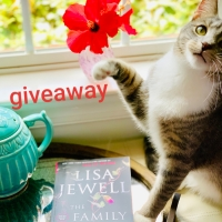 The Family Upstairs by Lisa Jewell #bookreview #tarheelreader #thrthefamilyupstairs @lisajewelluk @atriabooks #thefamilupstairs #blogtour