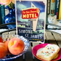 The Sun Down Motel by Simone St. James  #bookreview #tarheelreader #thrthesundownmotel @simone_stjames @berkleypub #thesundownmotel #blogtour #bookgiveaway