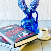 A Murderous Relation by Deanna Raybourn #bookreview #tarheelreader #thramurdererousrelation @deannaraybourn @berkleypub #amurderousrelation #blogtour #bookgiveaway