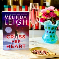 Cross Her Heart by Melinda Leigh  #bookreview #tarheelreader #thrcrossherheart @melindaleigh1 @amazonpub #crossherheart #blogtour #bookgiveaway
