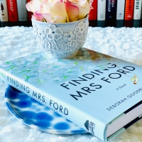 Finding Mrs. Ford by Deborah Goodrich Royce #bookreview #tarheelreader #thrfindingmrsford @royce_deborah @suzyapbooktours #findingmrsroyce #blogtour