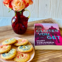The Closer You Get by Mary Torjussen #bookreview #tarheelreader #thrthecloseryouget @marytorjussen @berkleypub #thecloseryouget #blogtour