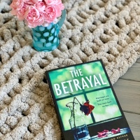 The Betrayal by Terry Lynn Thomas #bookreview #tarheelreader #thrthebetrayal @tlthomasbooks @suzyapbooktours #thebetrayal #blogtour